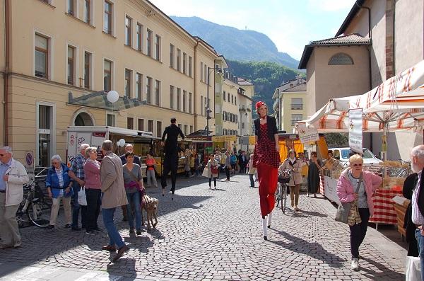 Bolzano Eventi Di Primavera In Piazza Domenicani