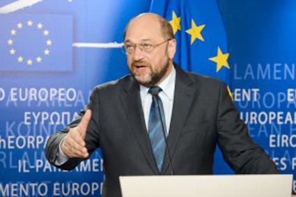 """UE. Schulz """"l'Europa deve ripartire dalla giustizia retributiva obbligando le multinazionali a pagare le tasse"""""""