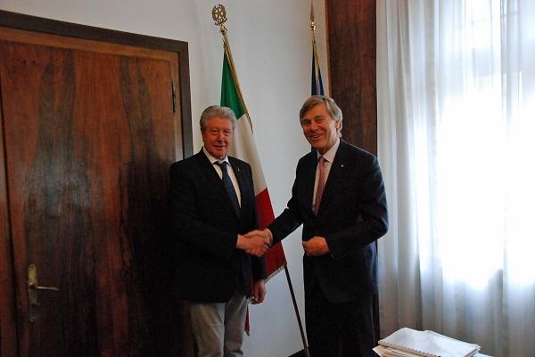 Bolzano. Il Sindaco Renzo Caramaschi ha incontrato l'Ambasciatore del Belgio Patrick Vercauteren Drubbel.