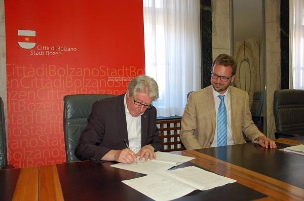 Bolzano. Contro le discriminazioni nei confronti di gay e lesbiche firmato un protocollo