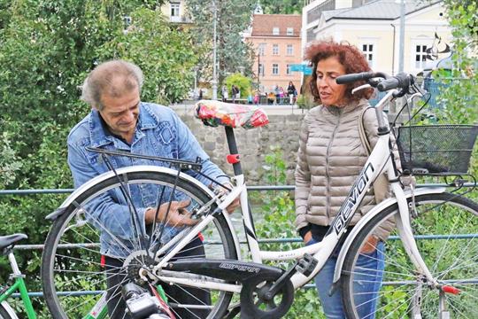 Merano. Officina mobile per le bici, clientela soddisfatta
