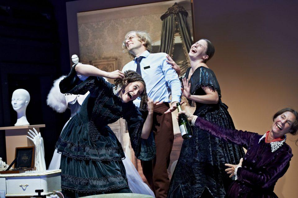 Madame Bovary, Gastspiele des Schauspiels Hannover in Brixen und Schlanders