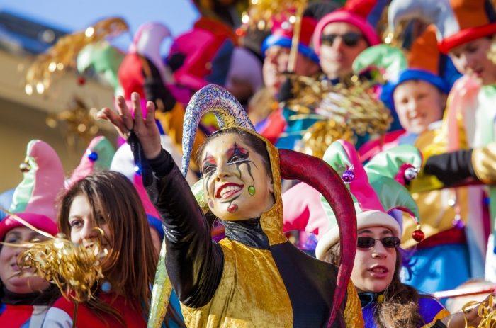 Bolzano. Carnevale, da Bolzano a Putignano di Bari la gente allenta i cordoni della borsa