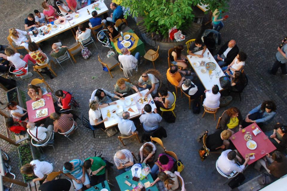 Ufficio Bilinguismo Bolzano : Bolzano caffè delle lingue il giugno la festa di fine
