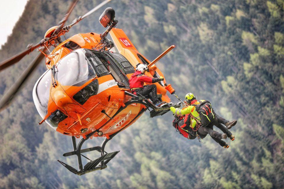 Due incidenti ciclistici in Val Venosta, tre feriti