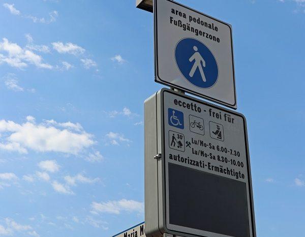 Bolzano. Telecamere per il controllo dell' accesso alla ZTL di piazza Montessori al Firmian