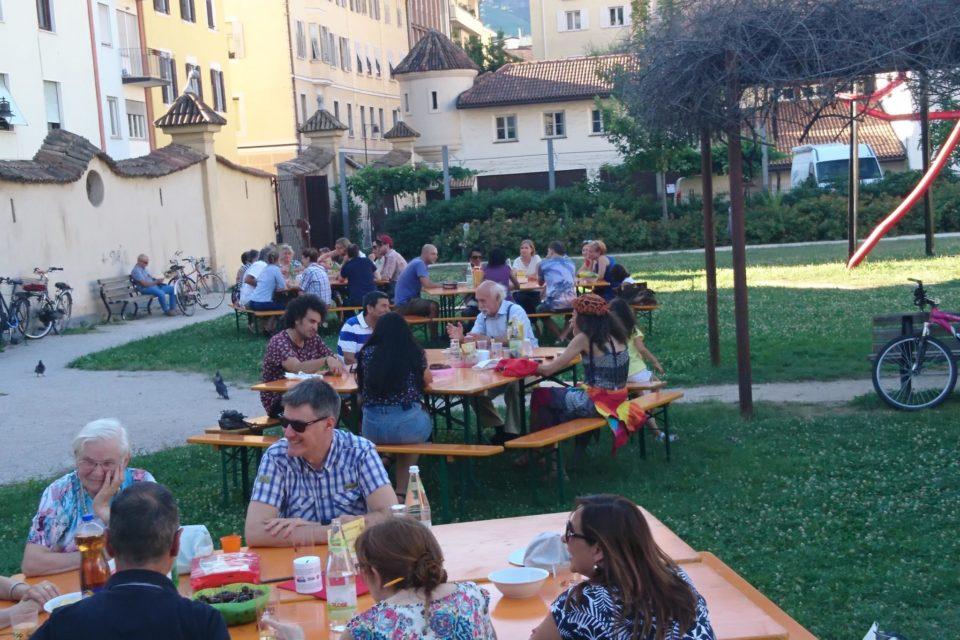 Ufficio Bilinguismo Bolzano : Bolzano caffè delle lingue in settembre u buongiorno südtirol