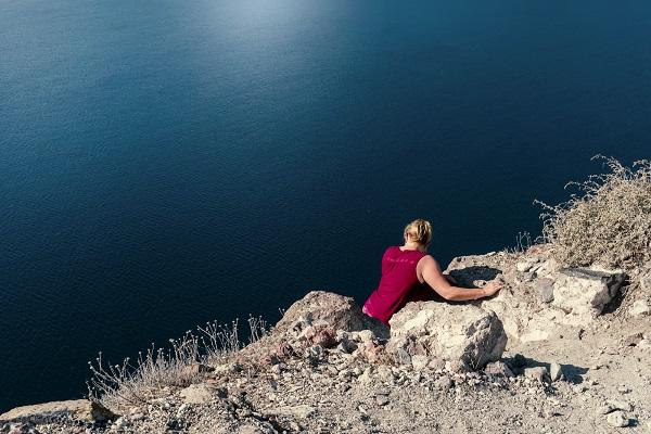 """A Laives si inaugura la mostra fotografica """"Con i piedi per Terra"""" di Anna Cerrato"""
