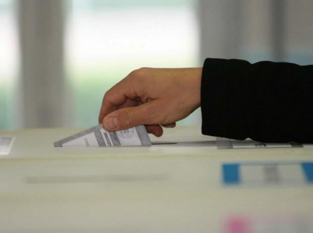 Elezioni. Palermo, schede non ancora disponibili, ritardi stamane apertura alcuni seggi elettorali