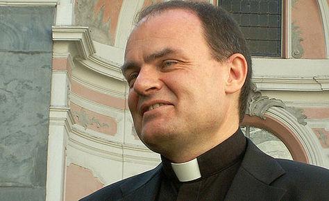 """Cgil, Cisl, Uil, Asgb su aperture festive: """"Arno segua il vescovo Ivo"""""""